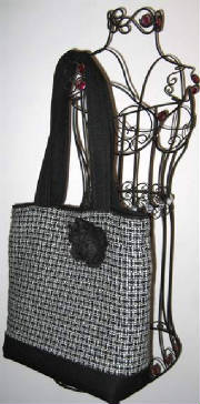 Classics/047tote373hanging-sized.jpg